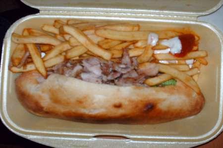 Aux Delices du 24 - sandwich kebab et frites !