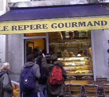 La devanture du Repere Gourmand