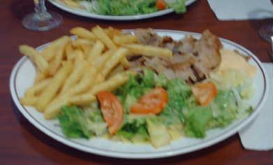 Manzara : assiette kebab sauce samourai
